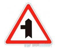 Дорожный знак 2.3.3 «Примыкание второстепенной дороги слева»