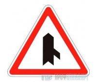 Дорожный знак 2.3.7 «Примыкание второстепенной дороги слева»